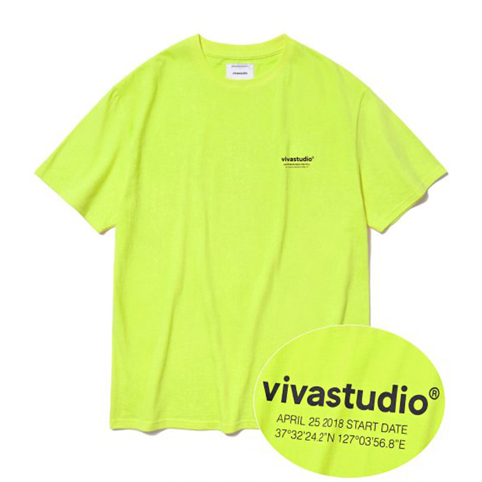 비바스튜디오 티셔츠 LOCATION LOGO SHORT SLEEVE IS [NEON YELLOW]